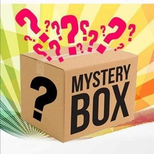 8 pc 4 / 4T girl clothing mystery box